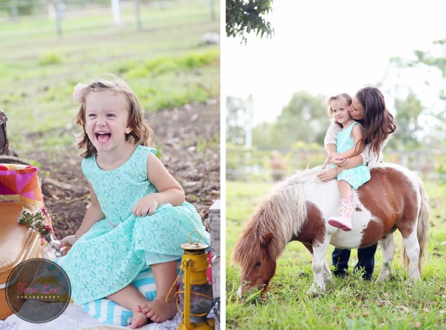 Olivia & the pony019