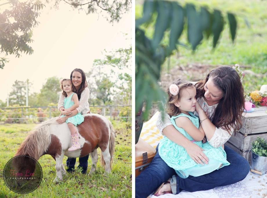 Olivia & the pony023